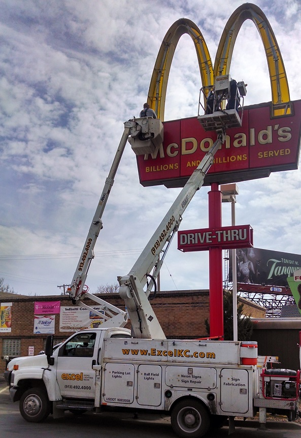 Common Electrical Sign Repair Issues